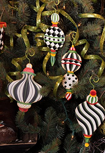 Black and White Elegant Christmas Ornament with Stakes Set