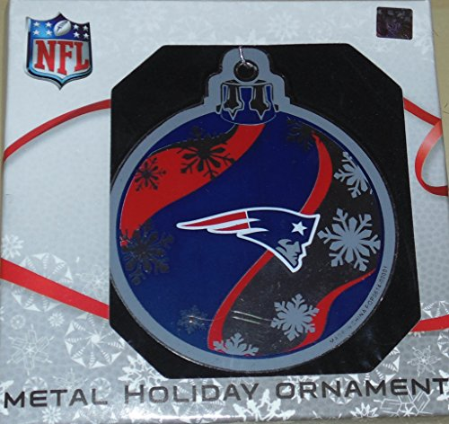 Forever Collectibles New England Patriots Metal Holiday Ornament