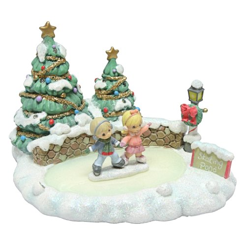Precious Moments Candy Cane Lane Set/2 Ice Rink Pond With Skating Couple Figurine
