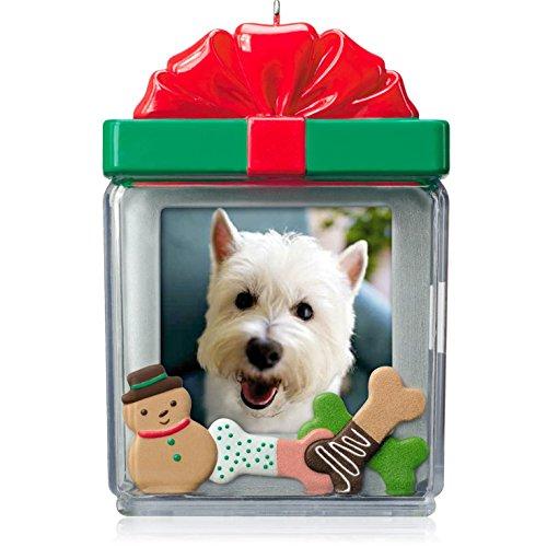 Hallmark QGO1106 Perfect Pup – 2014 Christmas Keepsake Ornament