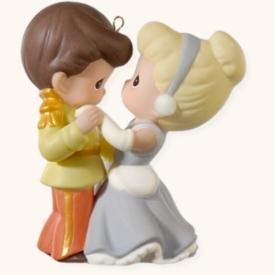 Hallmark 2008 Cinderella and Her Prince Disney Precious Moments