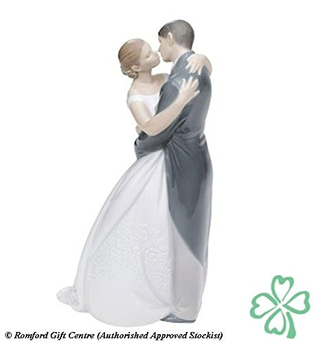 Nao Porcelain by Lladro A KISS FOREVER ( BRIDE & GROOM , MARRIAGE , WEDDING , COLLECTION ) 2001613