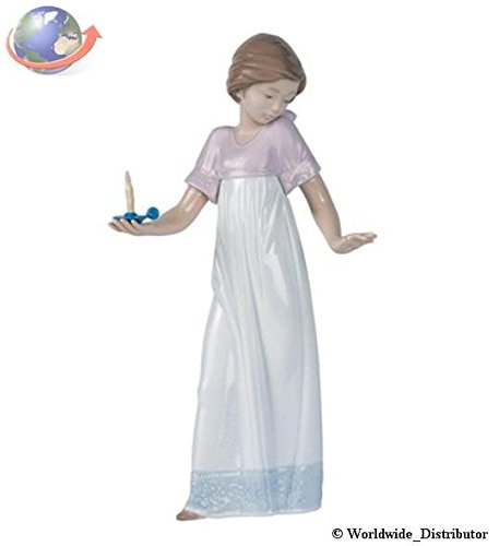 Nao Porcelain by Lladro TO LIGHT THE WAY ( GIRL HOLDING CANDLELIGHT ) 2001155