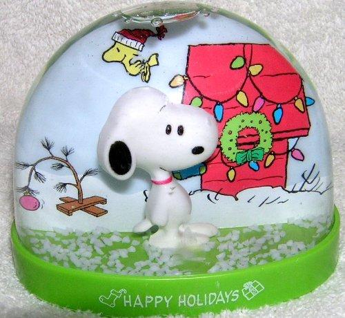 Peanuts SNOOPY Plastic Christmas Snowglobe Waterball