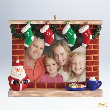 2011 Hallmark A Year to Remember Recordable Photo Holder Keepsake Ornament – QXG3169