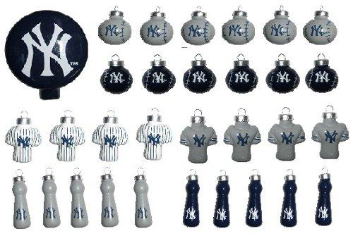 MLB 31 Piece Ornament Set Team: New York Yankees
