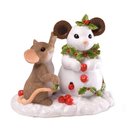 Enesco Charming Tails Building a Snow Mouse Figurine, 3.375-Inch