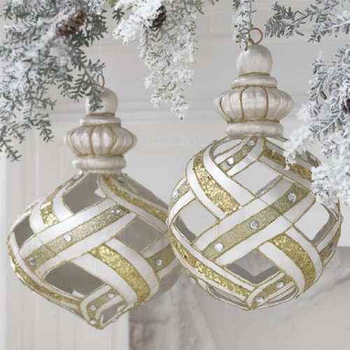 RAZ Imports – Gold, Silver and Pearl Lattice Ornaments