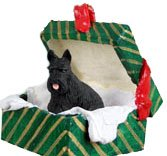 Conversation Concepts Scottish Terrier Gift Box Green Ornament