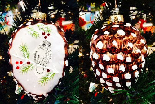 Martha Stewart 4.25″ Pine Cone with Bird Scene Christmas Ornament – Glass