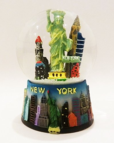 New York City Statue of Liberty Snow Globe