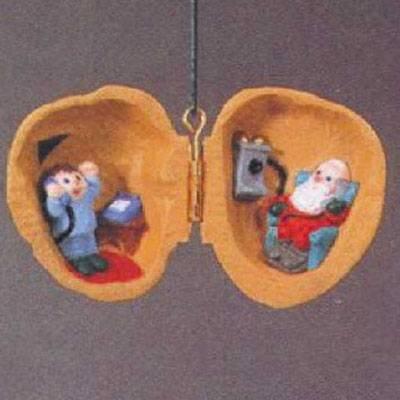 Hallmark Nutshell Chat 1990 Ornament QX5193