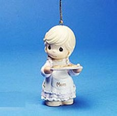 Precious Moments Christmas No One's Sweeter Than Mom Ornament