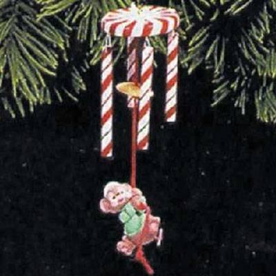 Merry Chime 1998 Hallmark Ornament QX6692