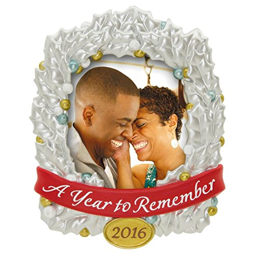 Hallmark 2016 Christmas Ornament A Year to Remember Photo Holder Ornament