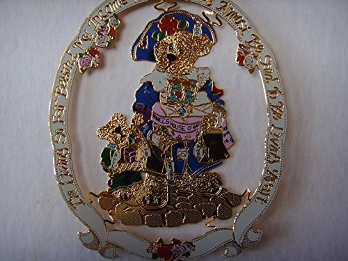 "Christmas 3″ Ornament 2002 ; ""Born to Shop"""