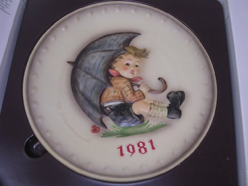 Hummel Goebel Bas Relief Annual Plate Boy Umbrella 1981