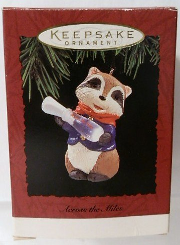 Hallmark Keepsake Ornament – Across the Miles 1994 (QX5656)