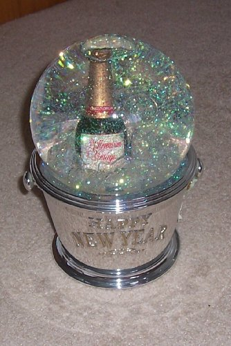 Mr Christmas Automated Snow Globe Millinnium Edition Happy New Year 2000