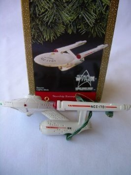 Star Trek Starship Enterprise (Saucer Lights Blink) by Hallmark