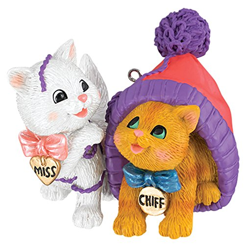 Carlton Ornament 2017 Merry Mischief Makers #22 – Miss and Chiff – #CXOR064M