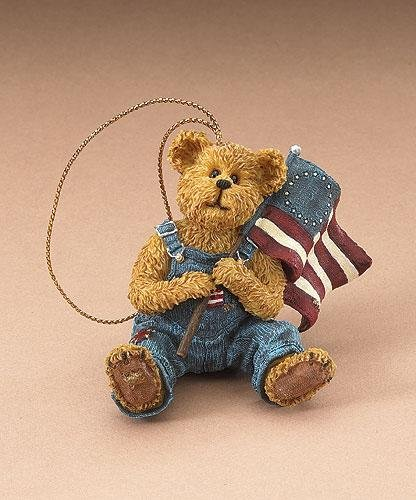 Boyds Holiday Flag Bearer Freedom Ornament 2005 Style #257400