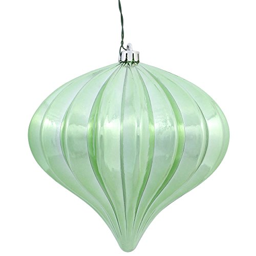 Vickerman N151254DSV Onion Ornament with A Shiny UV Resistant Finish, 5.7″ X 5.5″, Celadon