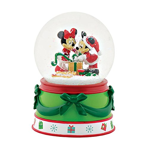 Department 56 – Mickey & Minnie Snow Globe