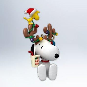 QXI2921 In the Spirit The Peanuts Gang 2012 Hallmark Keepsake Ornament