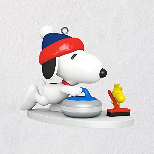 Hallmark Keepsake Mini Christmas Ornament 2018 Year Dated, Peanuts Winter Fun With Snoopy Miniature, 1″