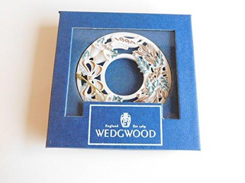 Wedgwood White Jasper 1997 Noel Annual Wreath Ornament Boxed
