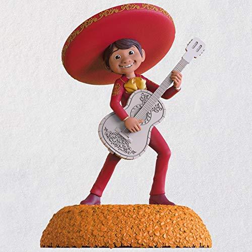 Hallmark Disney/Pixar Coco The World ES Mi Familia Musical Ornament Movies & TV