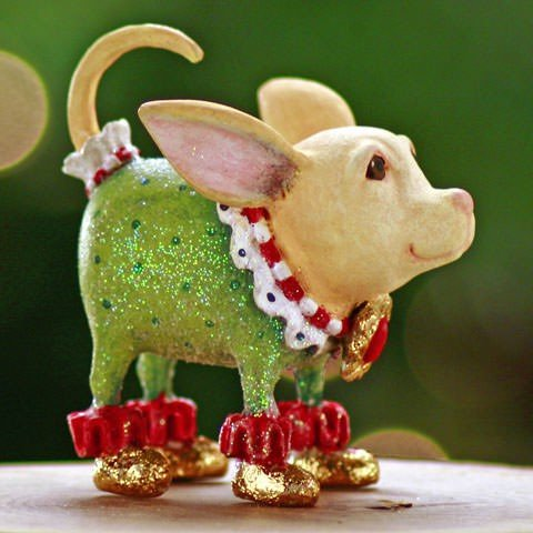 Patience Brewster Mini Chihuahua Christmas Figural Ornament 08-30413
