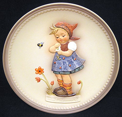 """M.I. Hummel """"Daisies Don't Tell"""" Collectible Plate by Goebel in Germany"""